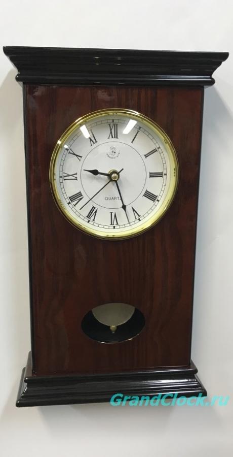 Настенные часы с маятником и боем  WOODPECKER 9270 CK (L)