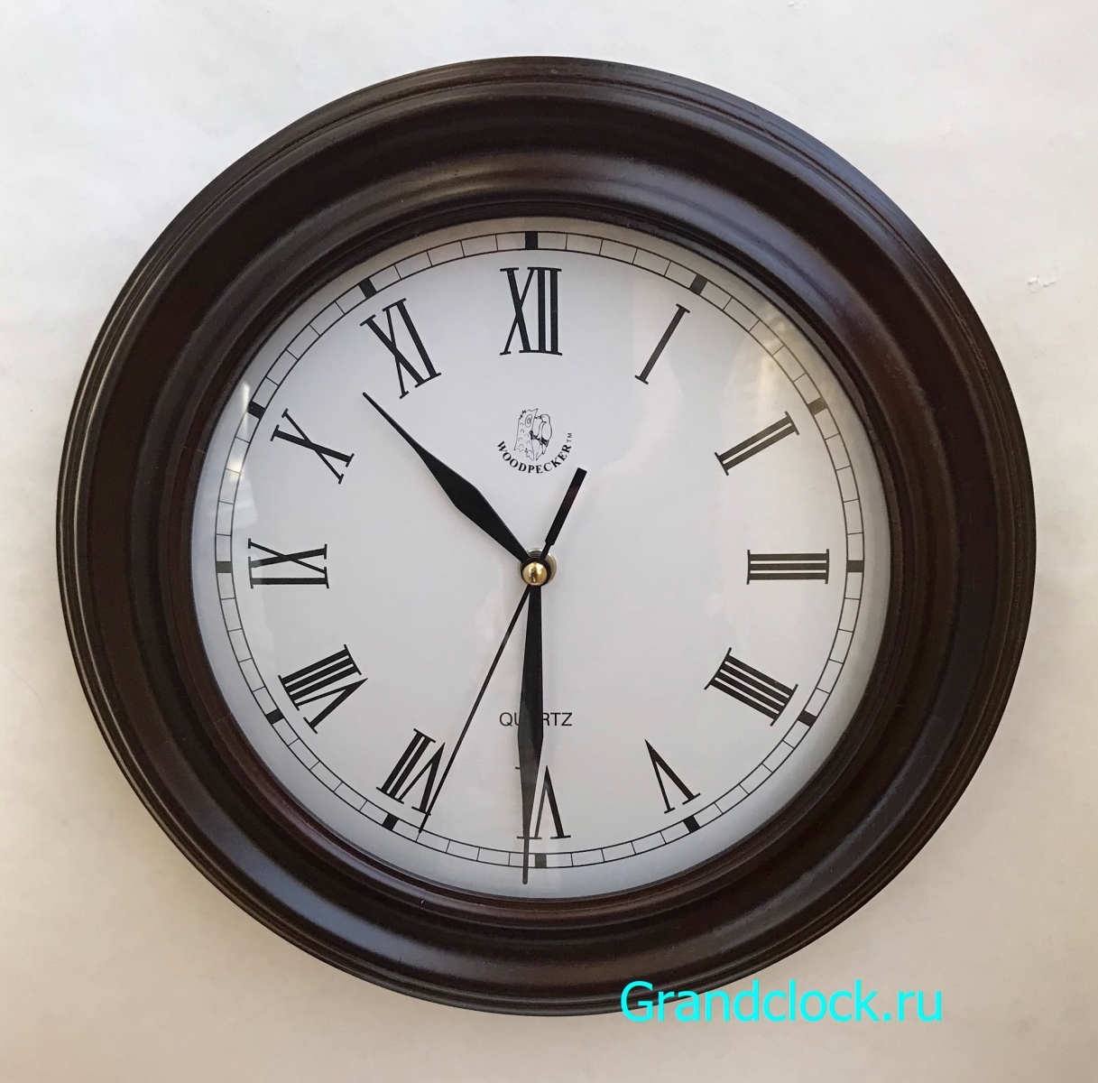 Настенные часы WOODPECKER в деревянном корпусе 7326 (09)