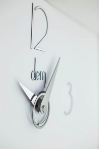 Настенные часы Incantesimo Design 501BN Diem