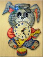 """Часы настенные """"Зайчик с балалайкой"""""""