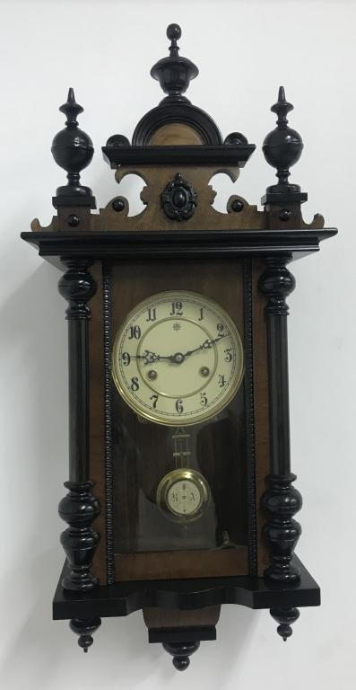 Настенные часы Junghans