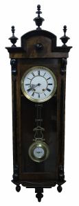 Настенные часы Henry Moser